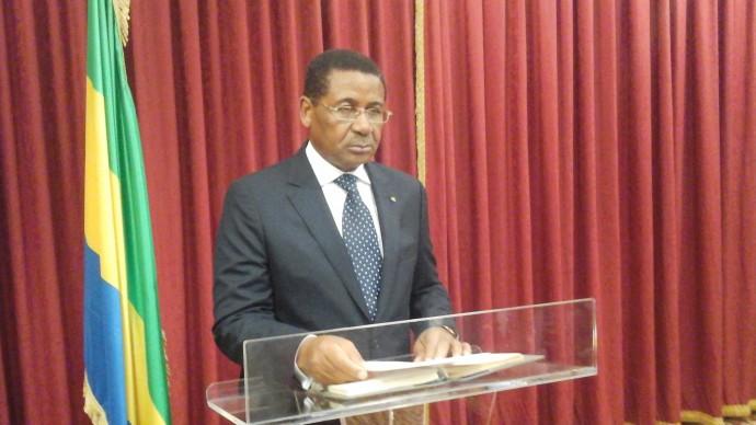Le gouvernement gabonais, sur mesure pour la présidentielle, souffre de deux désistements