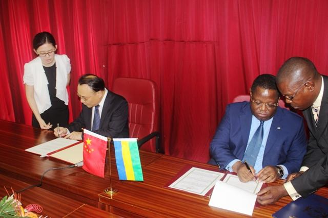 Gabon – Chine : suppression des visas pour les détenteurs des passeports diplomatiques et de service