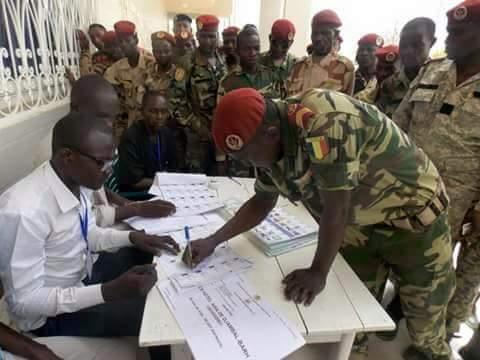 Tchad : des militaires torturés pour n'avoir pas voté Deby ?