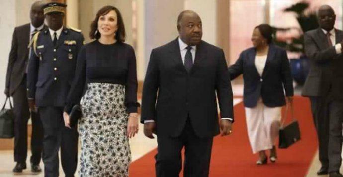 Une présentatrice de télévision sème la zizanie en annonçant par accident la mort du président Bongo
