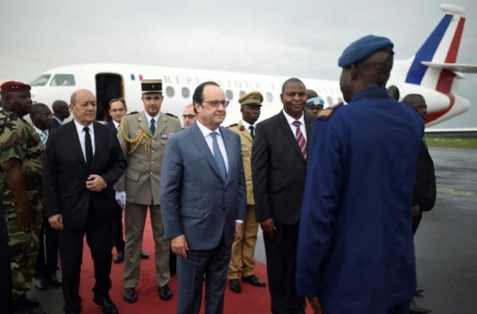 A Bangui, François Hollande annonce la fin de l'opération « Sangaris »