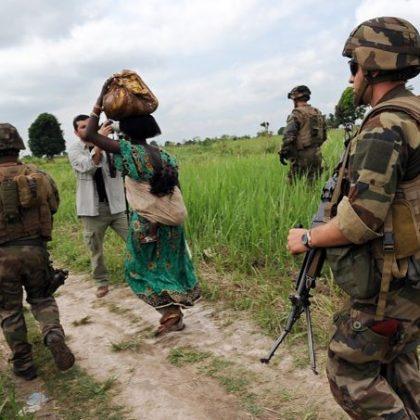 Centrafrique : départ de la force Sangaris, sur fond de reprise des violences
