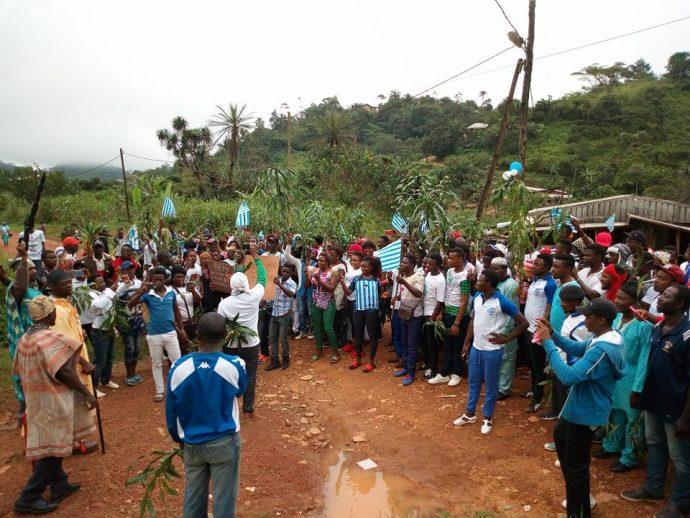 Attaque d'un convoi officiel au Cameroun anglophone