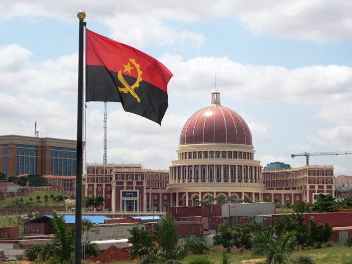 Kaombo, Total a démarré la production de brut en Angola