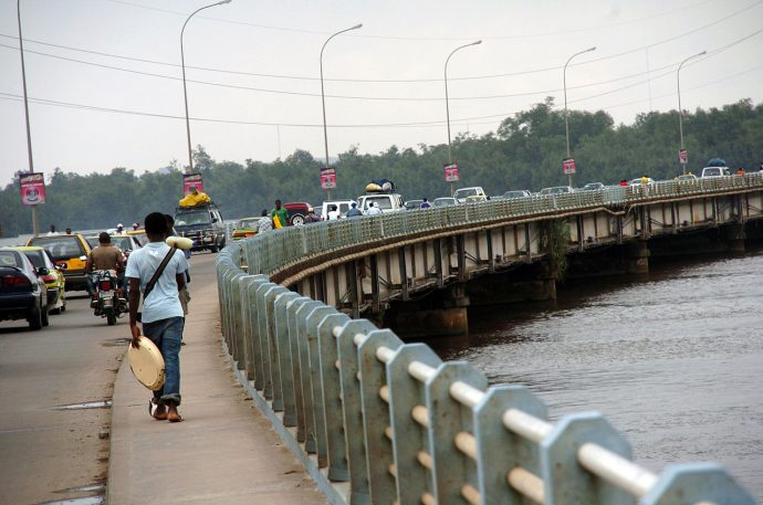 Crise anglophone : les autorités interdisent « l'exode  massif »