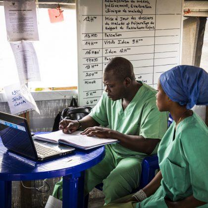 Ébola : Des travailleurs de l'OMS tués et blessés lors d'une attaque rebelle en RDC
