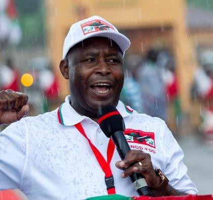 Le parti au pouvoir au Burundi choisit un candidat à l'élection présidentielle de mai
