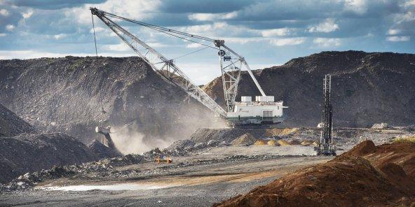 Signature des premiers contrats miniers en Guinée équatoriale