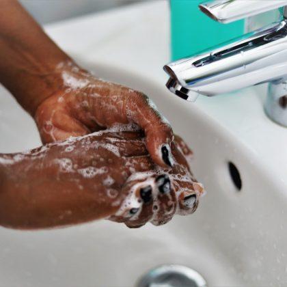 En Afrique, le défi logistique et sanitaire de la lutte contre le Covid-19