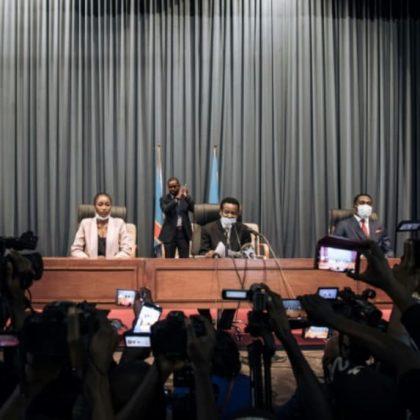 La police de la République Démocratique du Congo entre au parlement après de nouveaux affrontements