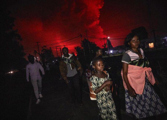 Des milliers de personnes fuient Goma en prévision d'une nouvelle éruption qui pourrait frapper à tout moment